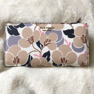 NWT Kate Spade Large Bifold Wallet